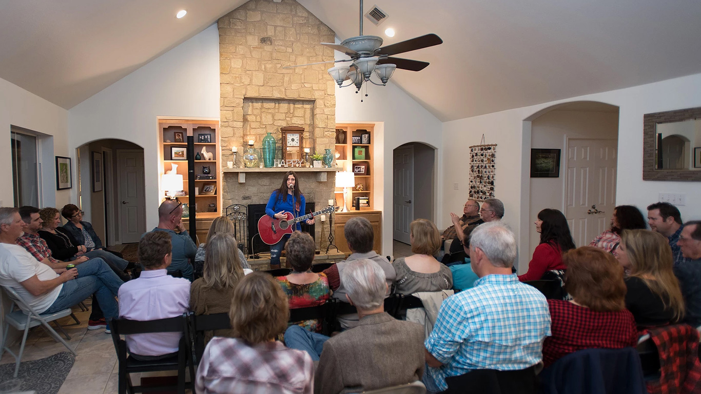 Host a House Concert with Wendy Colonna